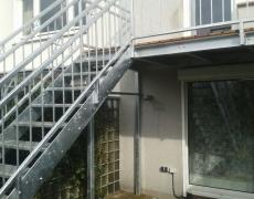 Balkonpodest mit Treppe